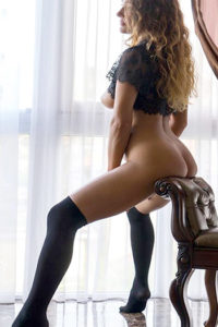 Vollbusige Escort Dame Aganta in Berlin Sex in High Heels