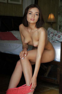 Callgirls Berlin Haus Hotel bestellen Isabell jung sexy bietet Strippen in High Heels