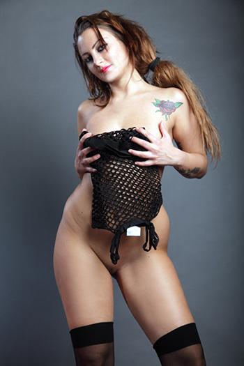 Chantal Erfahrene Escort Model Sexy Wespentaille Vielseitige Callgirl Berlin