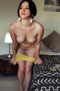 High Class Escort Teenie Chrissy Hotel Bestellungen für Sex Abende