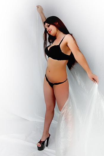 Escort Frau Evelyna erotische Sexy Girl mit Großen Titten bietet Sex in Berlin und Umland