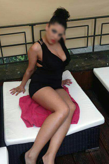 Iveta Dauergeiles Escort Tenn Girl in Berlin mit Domina Service