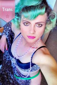 Trans Mira Escort TS Ladyboy in Berlin mit Penis mag Sex von hinten