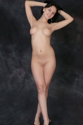 Callgirl Berlin Lanessa jung feste Möpse liebt geilen Striptease