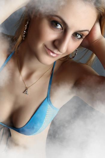 Türkin Escort Girl Nazar Vielseitig Sportlich Zierliches Sex Model Berlin